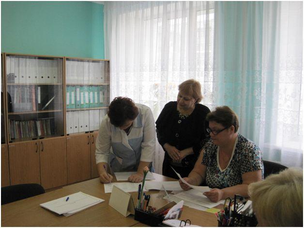 Выдача удостоверений  сотрудникам  о проверке знаний по охране труда